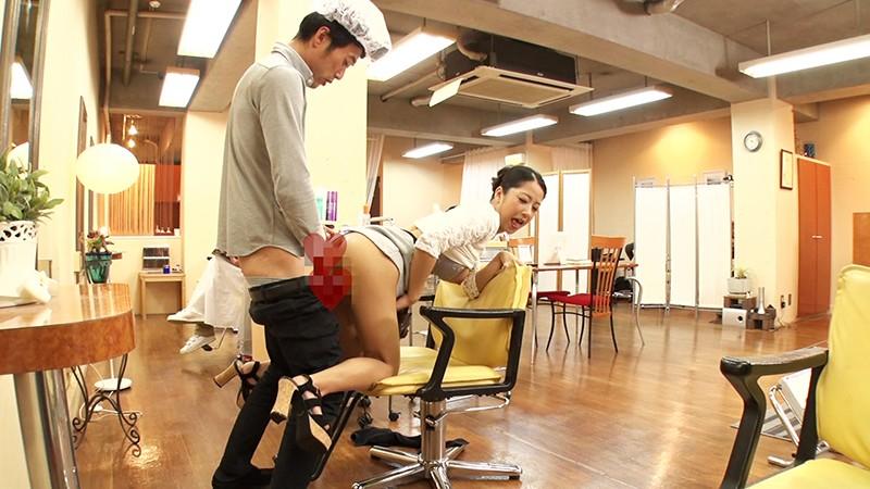 整髪してサッパリするはずが性交でサッパリしちゃった美容室でのひととき!? 鈴木さとみ