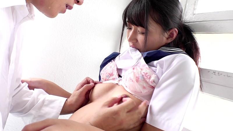 掃除中の女子校生と校舎の死角でドキドキしながらセックスして精液ブチ撒いてやりましたぁ〜! 加賀美まり キャプチャー画像 2枚目
