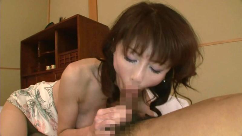 一つ屋根の下の性交 淫らな四十路妻 秋野美鈴
