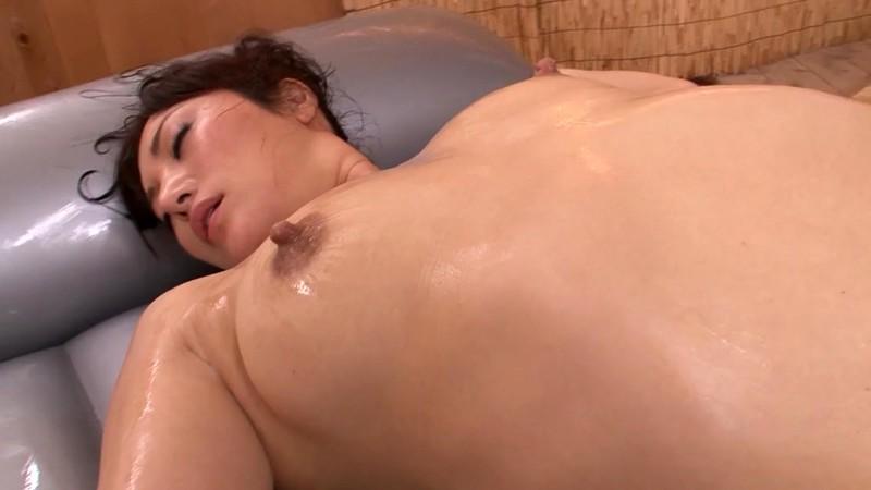 町内会の奥様は母乳で癒して床上手 橘慶子