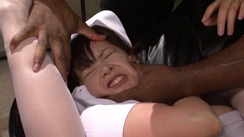 黒人の巨マラに冒され感じる巨乳看護師 長沢小雪 監禁中出し編