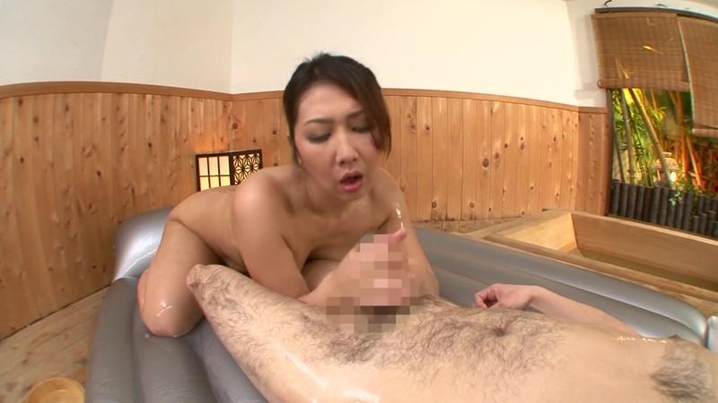 隣の奥さんは巨乳で巨尻で床上手 伊織涼子 激しくマット編 画像2