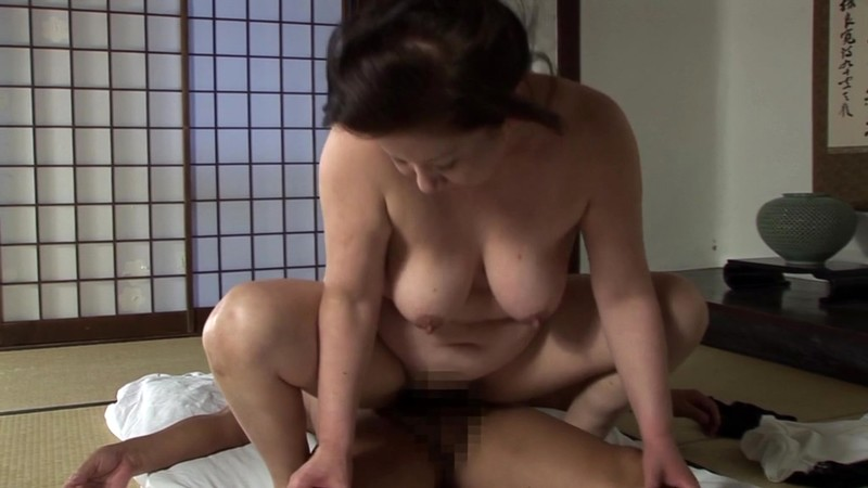 一つ屋根の下の性交 老練祖父母のSEX編 岩崎千鶴