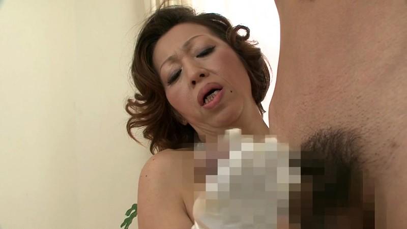 熟女の手コキ 岡崎花江 50歳3