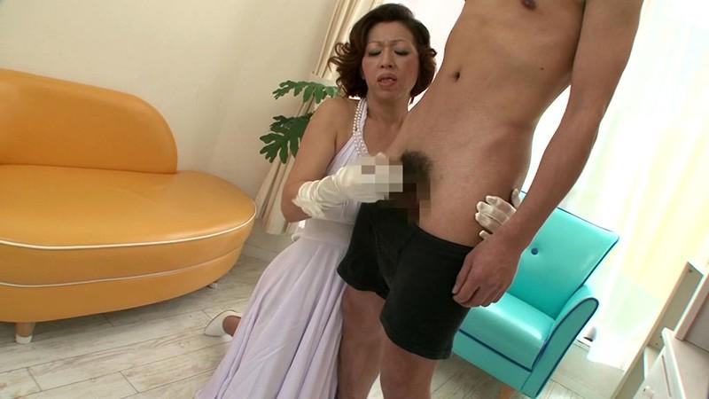 熟女の手コキ 岡崎花江 50歳4