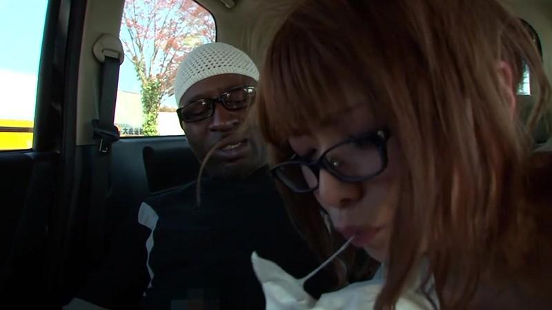 黒人が素人人妻をナンパしてSEXする映像 奈緒子さん29歳 画像15