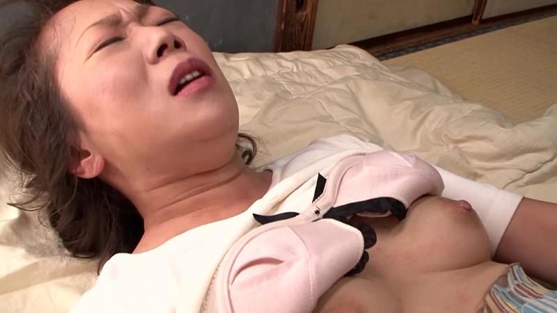 愛欲交尾 母が息子と交わる日常 黒澤涼子50歳 画像10