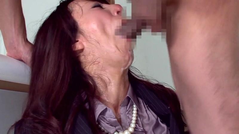 スレンダー美人人妻弁護士凌● 澤村レイコ スーツ姿のイラマチオ編 画像18