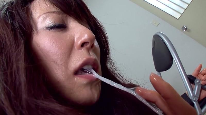 スレンダー美人人妻弁護士凌● 澤村レイコ スーツ姿のイラマチオ編 画像20