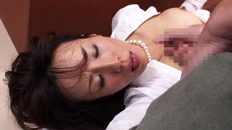 スレンダー美人人妻弁護士凌● 澤村レイコ 白目剥いてのぶっかけ編16
