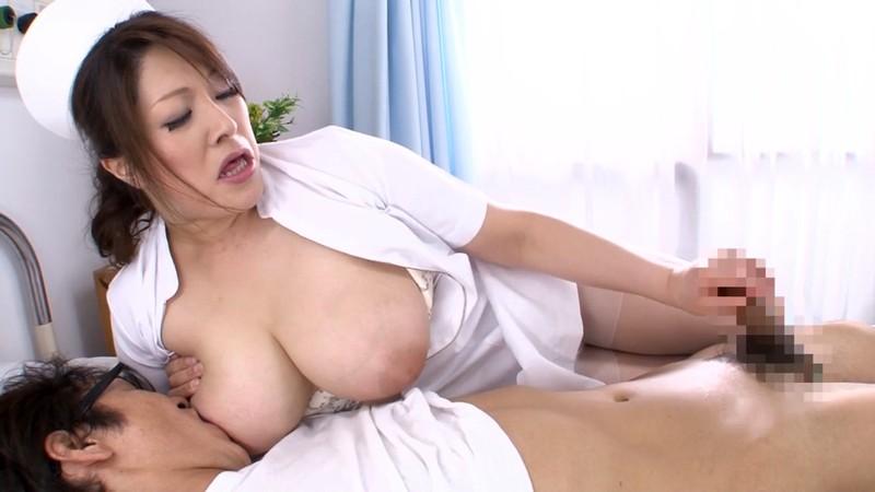 熟女のフェラと手コキ ナース編 白鳥寿美礼34歳 画像13