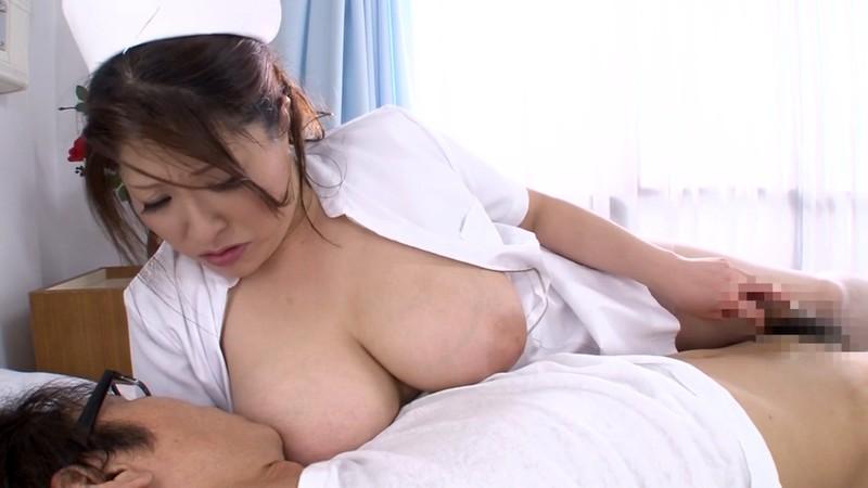 熟女のフェラと手コキ ナース編 白鳥寿美礼34歳 画像17