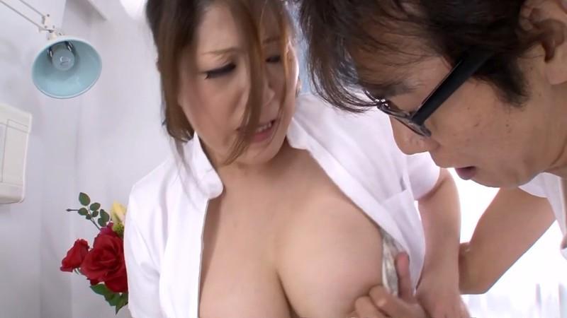 熟女のフェラと手コキ ナース編 白鳥寿美礼34歳 画像3
