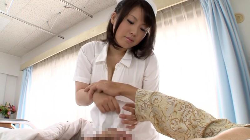 熟女のフェラと手コキ ナース編 青木りん28歳 画像4