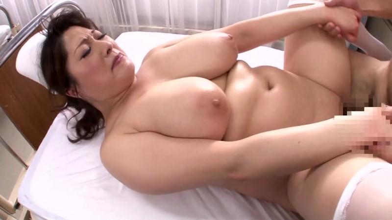 豊満爆乳熟女看護師 白鳥寿美礼34歳 画像20