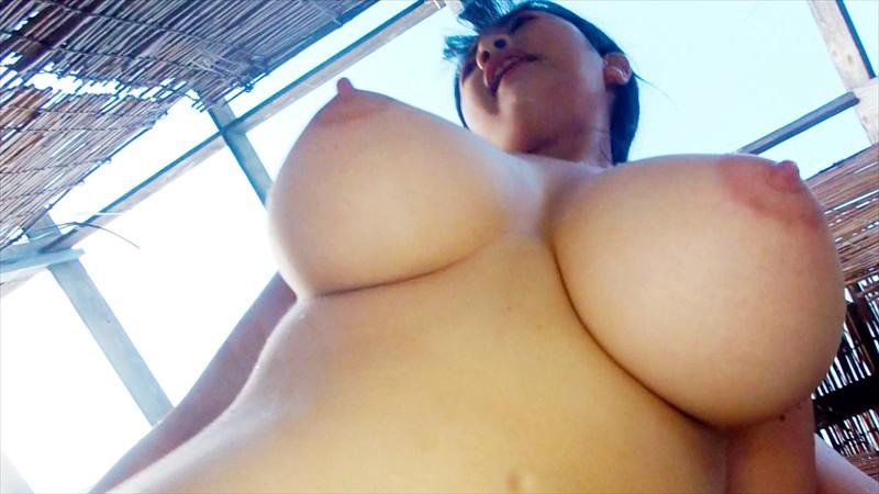 巨乳人妻温泉デート 恥じらう若妻Jカップ美穂26歳 画像4