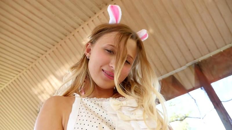 Adriana.C 「TOKYODOLL 白人美少女のグラビア」 サンプル画像 13