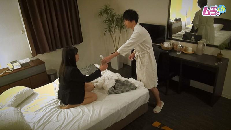 ホテル盗撮 意識していなかった同僚男と男女関係に…凄いペニスとテクニックの虜になってしまう女 画像2