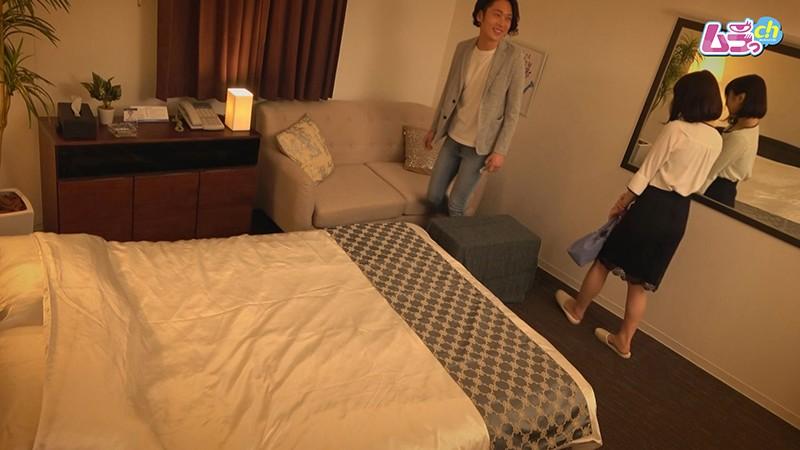 ホテル盗撮 SNSで知り合った欲求不満なレスられ男女が、肉欲のまま溺れるW不倫セックス 1