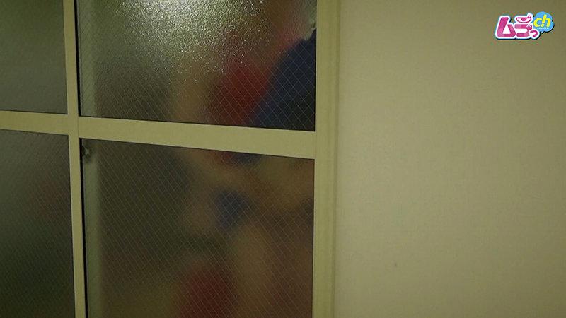 カップル盗撮 校内エッチにハマってしまった○校生カップルが放課後部室で誰かが来るかもしれない状況に興奮しまくるスリルSEX 画像19