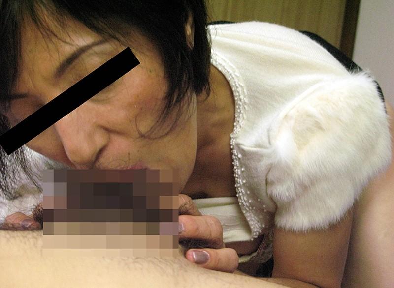 おばさんが舐めてあげる…高齢熟女の尺八20人のフェラ顔 1