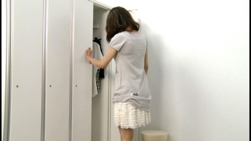 japan-girls-locker-room