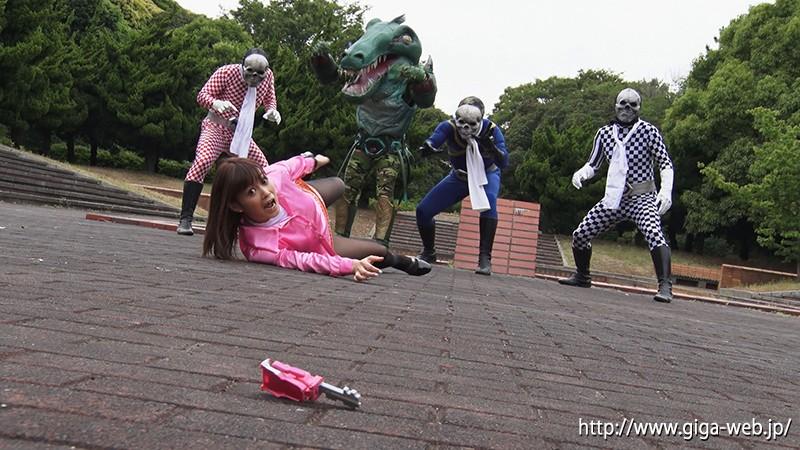 爆走戦隊モーターレンジャー 〜モーターピンク 八波裕子の最悪な一日〜 紺野ひかる3