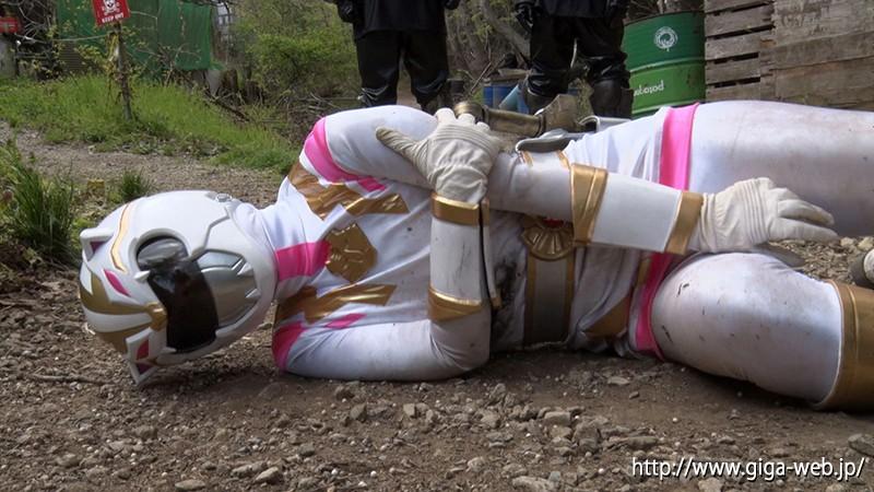 ヒロインハンティング 強獣戦隊ワイルドレンジャー 狩猟ゲームの獲物にされたワイルドホワイト 泉りおん6