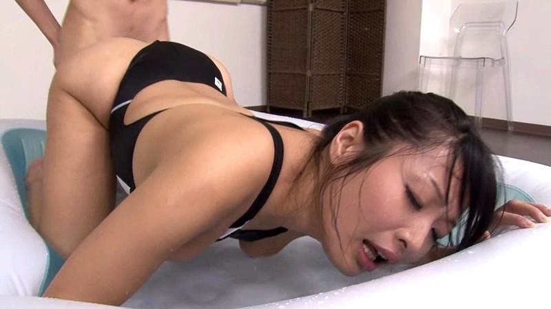 美人水泳コーチのパーフェクトボディに溺れて窒息寸前になりながら何度も射精させられた。 山本美和子[フル動画]