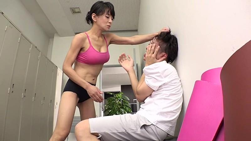 【風俗】教室にて、巨乳のインストラクターの、SM羞恥M男無料動画。【インストラクター動画】