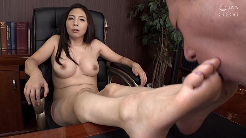 女社長のバター犬 秘書で性欲処理をするパワハラ社長 一条綺美香 10枚目