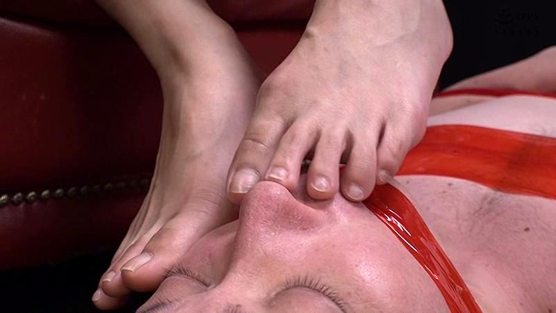 私の足のニオイを嗅ぎなさい!!のサンプル画像