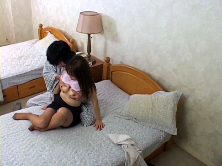 Скрытая камера в душевой женщины порно большинством них