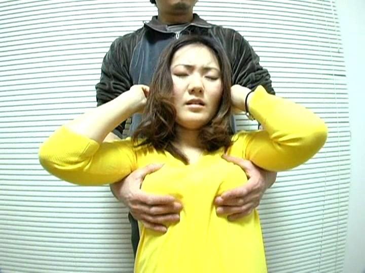 ロ●ータ若妻の貧乳いじり|無料エロ画像1