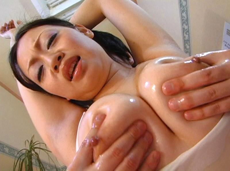 巨乳専門日本一のおっぱい風俗嬢 僕はやっぱり巨乳のお姉さんが大好き!4