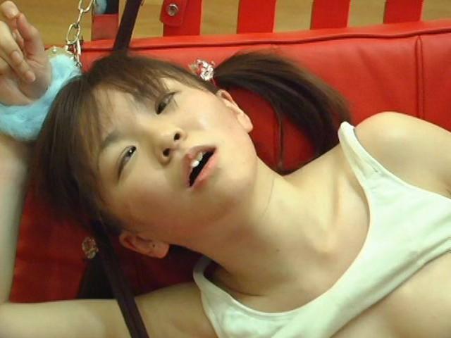 少女のクリトリス 拘束拷問 総集編 無料エロ画像17