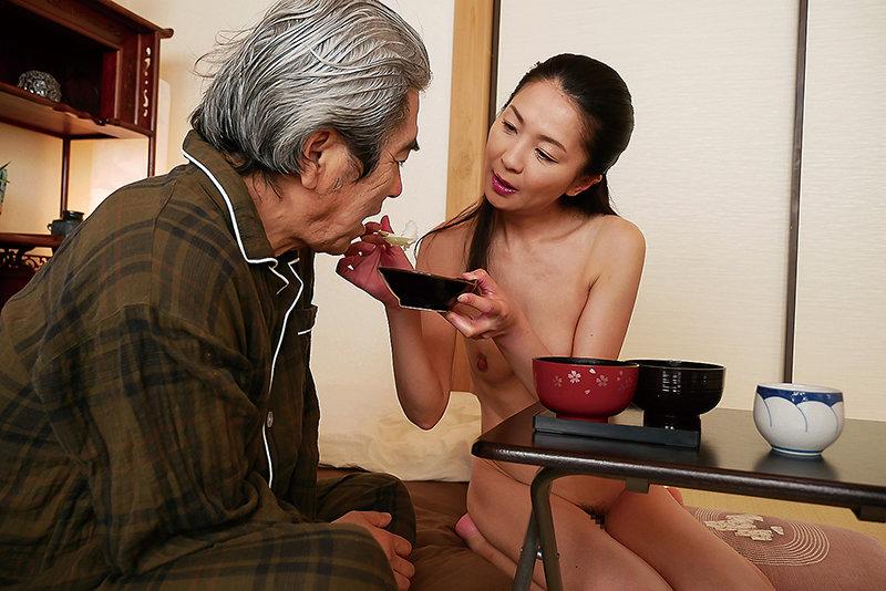 はだかの訪問介護士 艶堂しほり 画像4