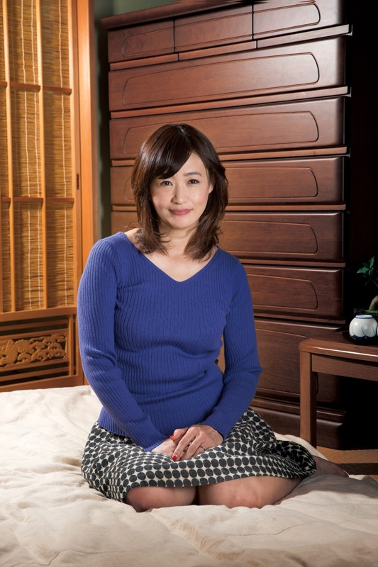 息子を誘惑する五十路母 笹川蓉子 キャプチャー画像 16枚目