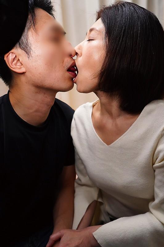 夫の面影を持つ息子と未亡人母 徳山翔子4