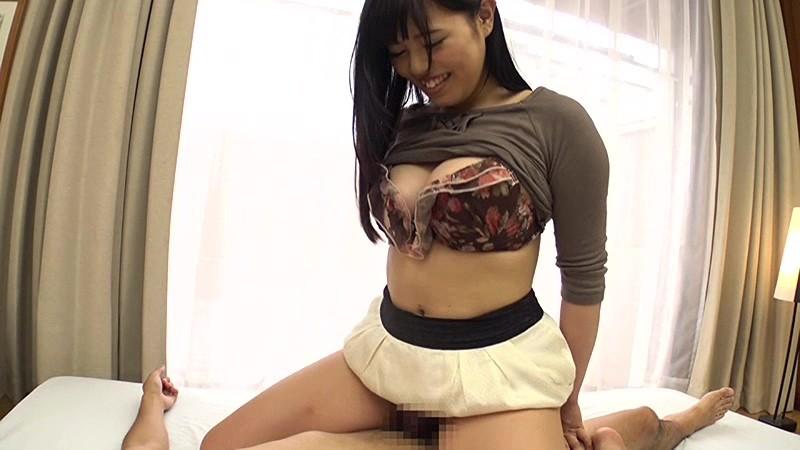 爆乳の女子大生素人の、激イキ素股無料エロ動画!【女子大生、素人動画】
