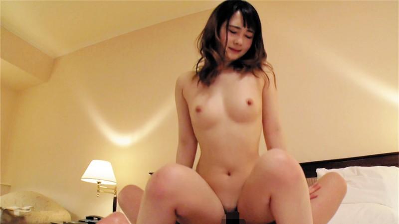 ランジェリー姿の女子大生素人の、バックフェラハメ撮り無料動画!【中出し動画】