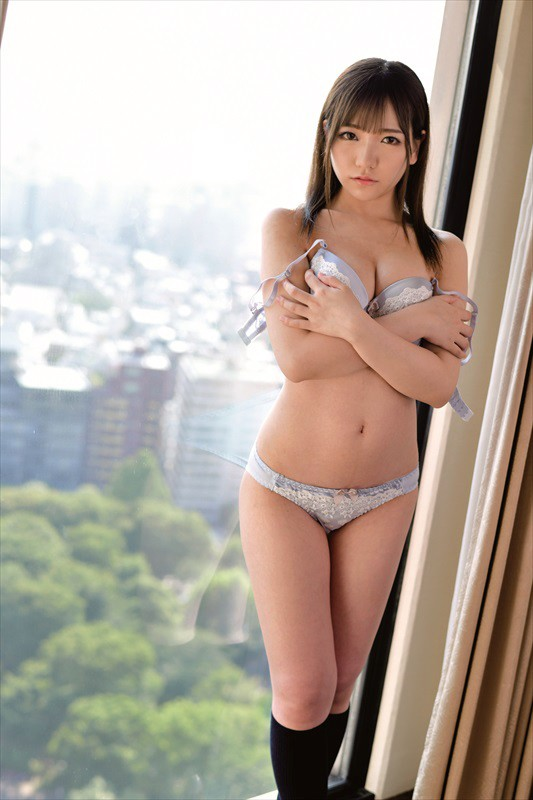 18歳完全主観 いいなりヤリ放題スイートルーム 新宿コンカフェ店員かんなちゃんFカップ Vol.001
