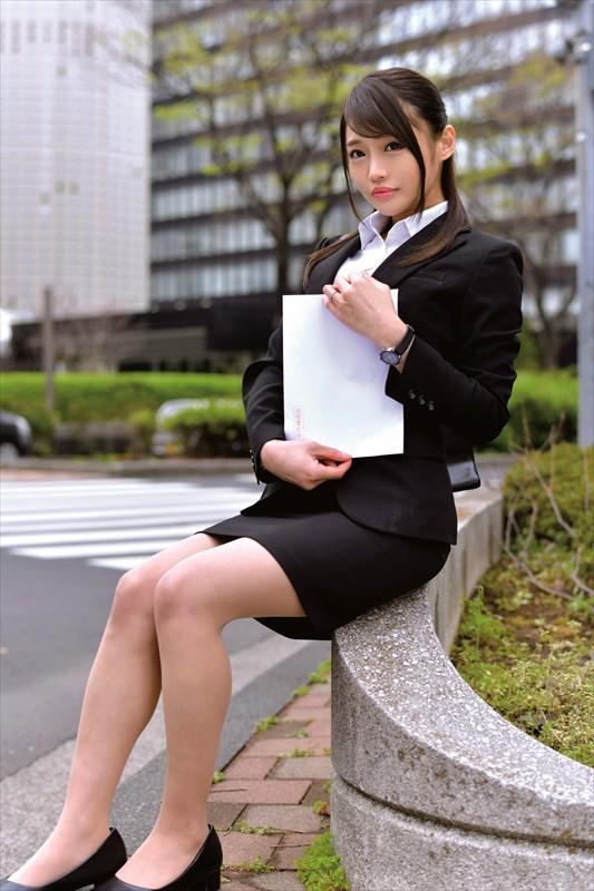 人妻就職活動〜恥辱のセクハラ面接〜 Vol.001 2枚目