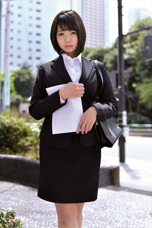 人妻就職活動〜恥辱のセクハラ面接〜 Vol.001 3枚目