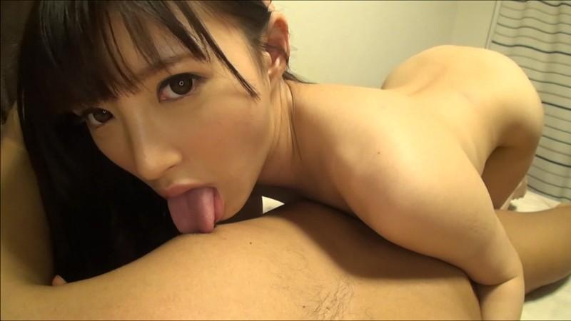 スレンダーな巨乳の美少女素人の、バックフェラ手マンエロ動画!【美少女、素人動画】
