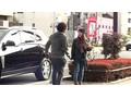 街でエナジードリンクを配るチョイ高嶺の女の子がAVデビューYUKOちゃんEカップ 1