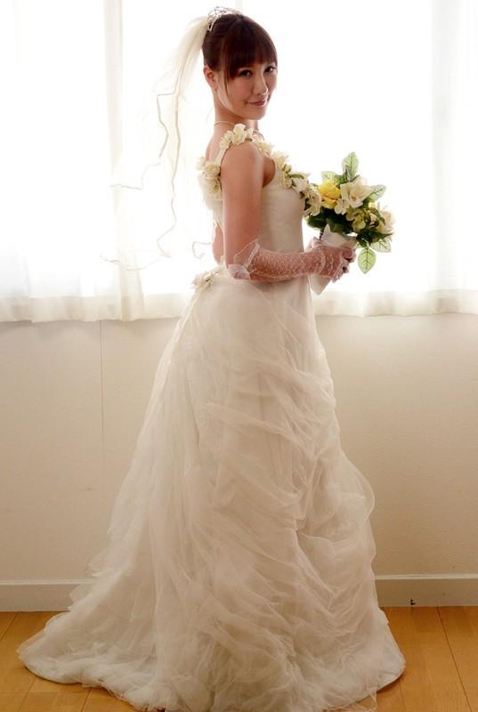 結婚前に一度だけ…彼女が抱かれている様子を見せて下さい! 小峰みこ 2枚目