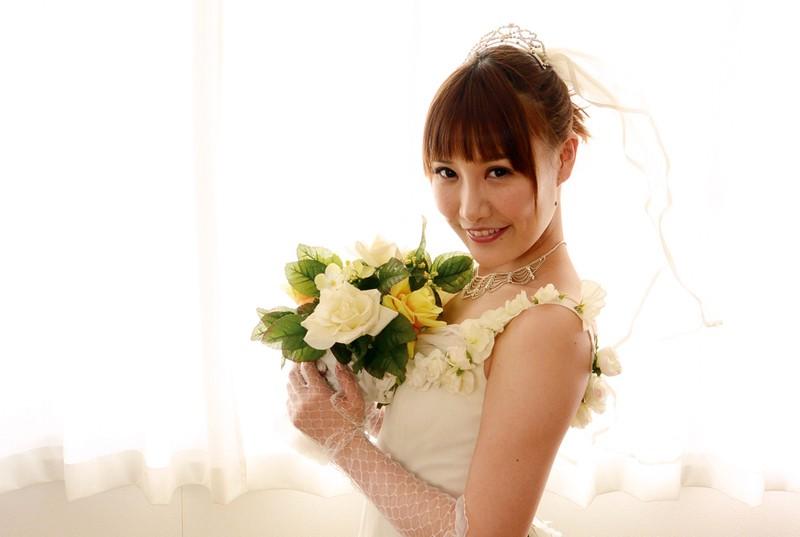 結婚前に一度だけ…彼女が抱かれている様子を見せて下さい! 小峰みこ 3枚目