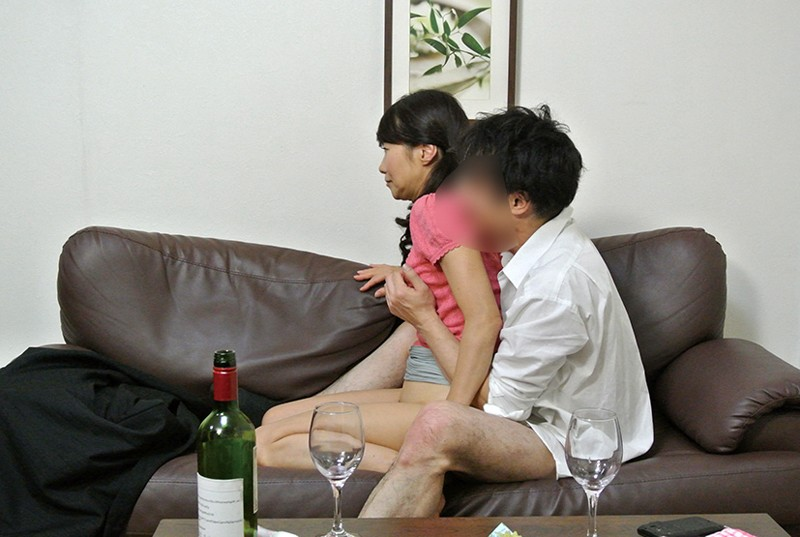 実録 寝取られ 堅物の妻を酔わせて 若い部下の肉棒を…まりさん(55) 8枚目