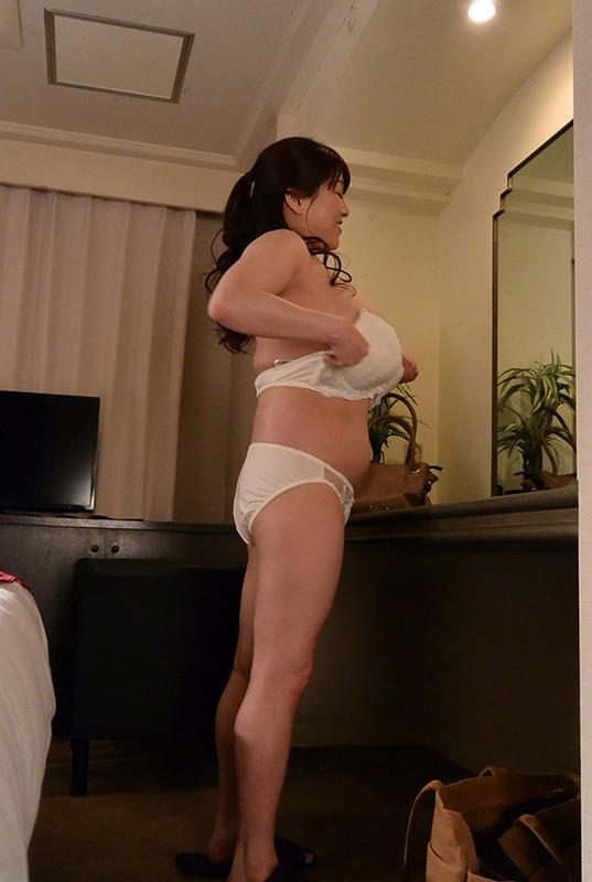 妻を騙して性感マッサージを…3家庭DX180分 画像4